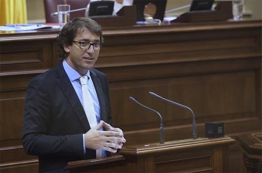 El PSOE exige al PP que reponga el servicio médico en el aeropuerto de Fuerteventura
