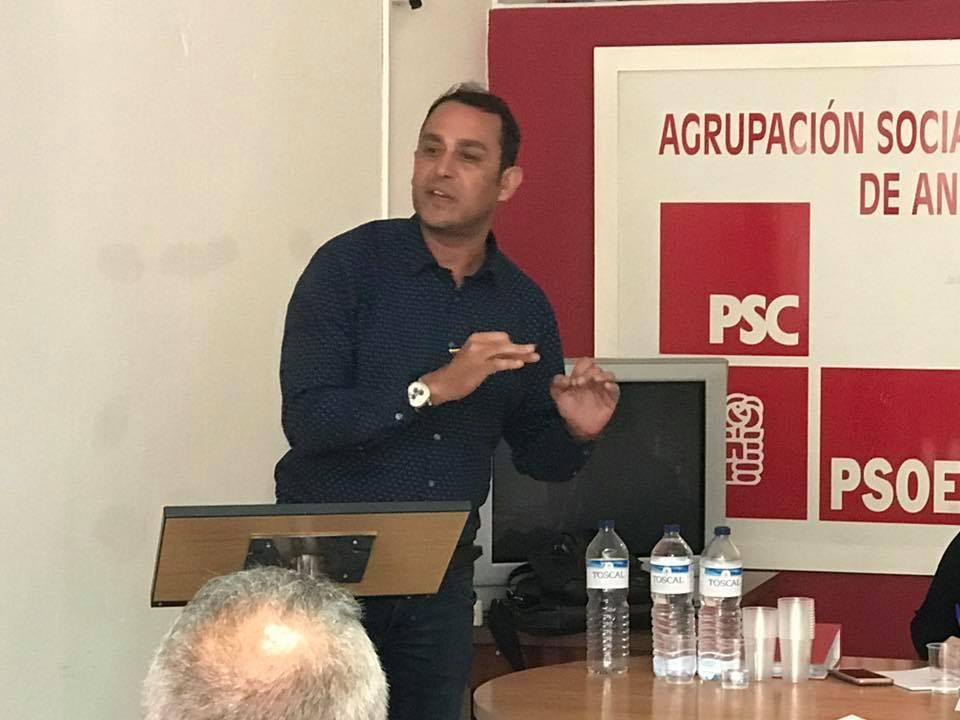 Blas Acosta rechaza cualquier reducción de plantilla en el Centro de Salud de Antigua